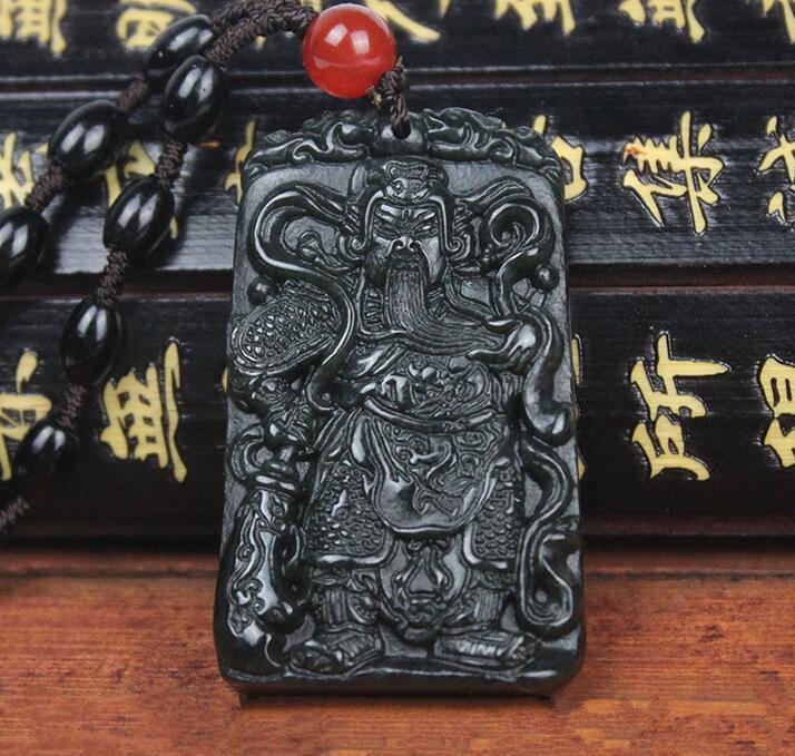 Les fabricants de Vente Xinjiang Qingyu Wucai Shen Mo Yupei jade pendentif Hetian jade collier Guan Gong pendentif