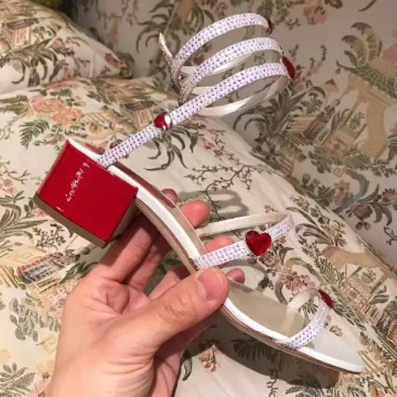 Crystal Love Dekoration Sandelholz-Dame Quadrat Hochzeit Schuhe Abend-Parteischuhe Serpentin Wort bohren um Fuß Sandalen Pailletten Schuhe
