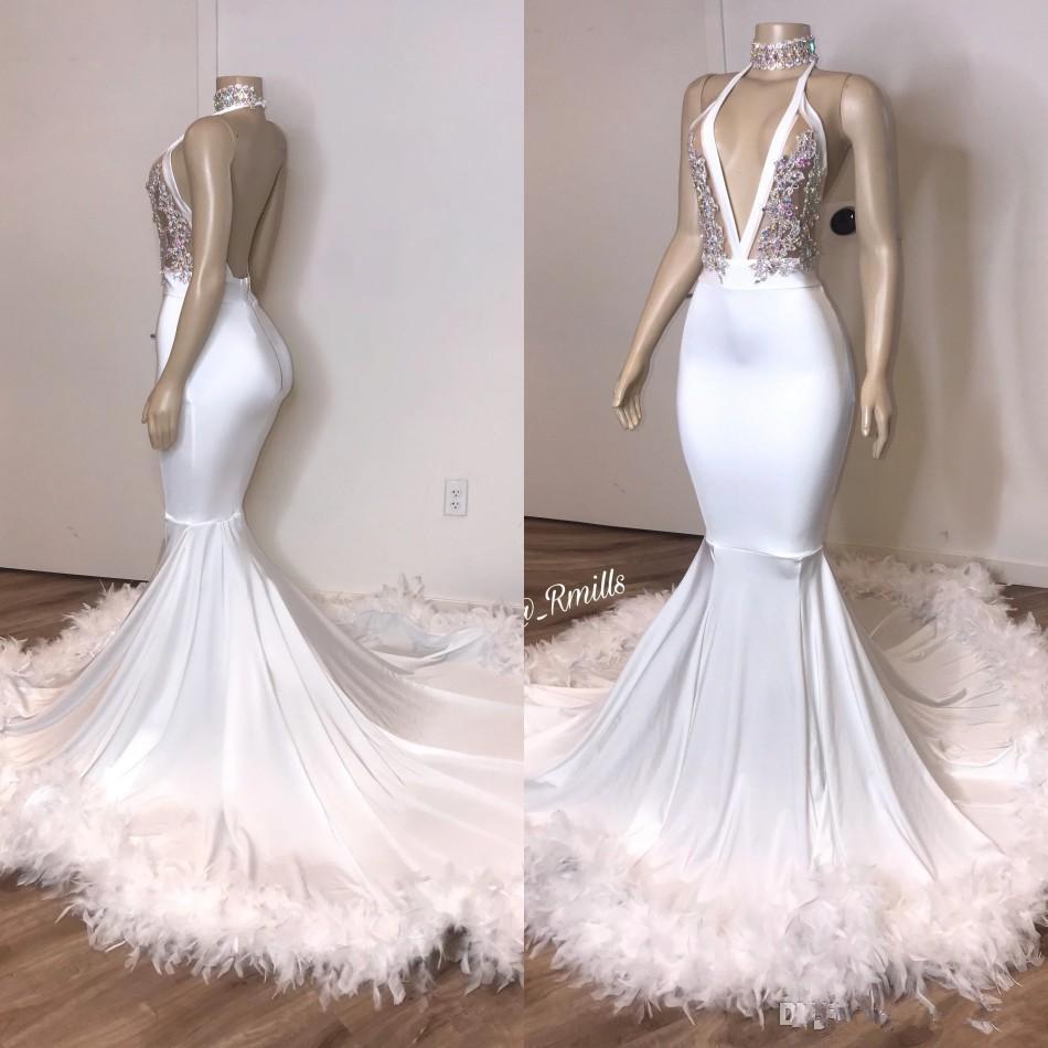 Sexy dos nu blanc sirène Robes de bal 2020 avec une plume d'argent en dentelle Taille Plus formelle Occasion spéciale Robes pas cher Robes De Novia