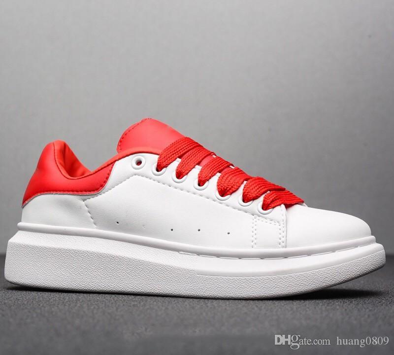Yeni Sezon Tasarımcı Ayakkabı Moda Lüks Kadın Ayakkabı erkek Deri Lace Up Platformu Boy Sole Sneakers Beyaz Siyah Rahat ayakkabılar