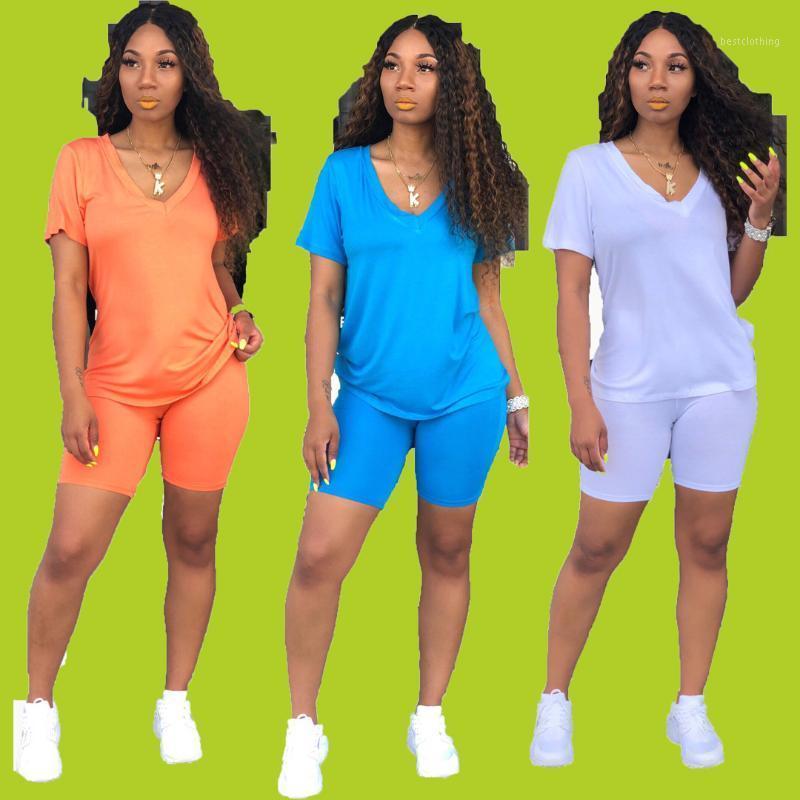 sportswear simples Vneck Manga Curta regulares tshirt com shorts apertados retas cor malha sólida 2piece conjunto H6073 três color1