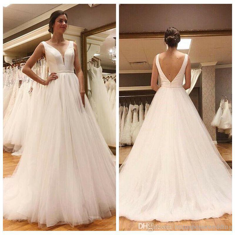 Simple encolure en V en satin et robe de tulle Boho mariée A-ligne longueur de plancher abordable Robes de mariée V bas Retour accueil Robes de mariée