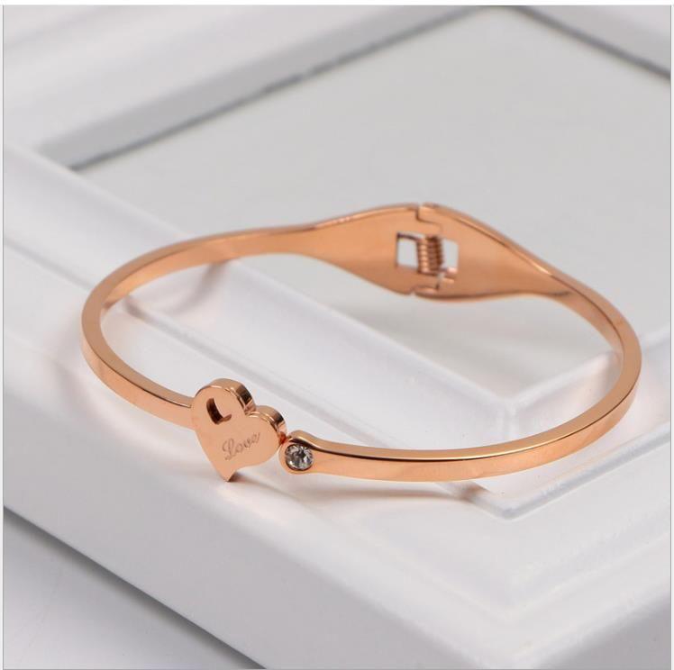 Korean diamond inlaid three-dimensional love Bracelet 18K Rose Gold Love Single Diamond hollow Bracelet