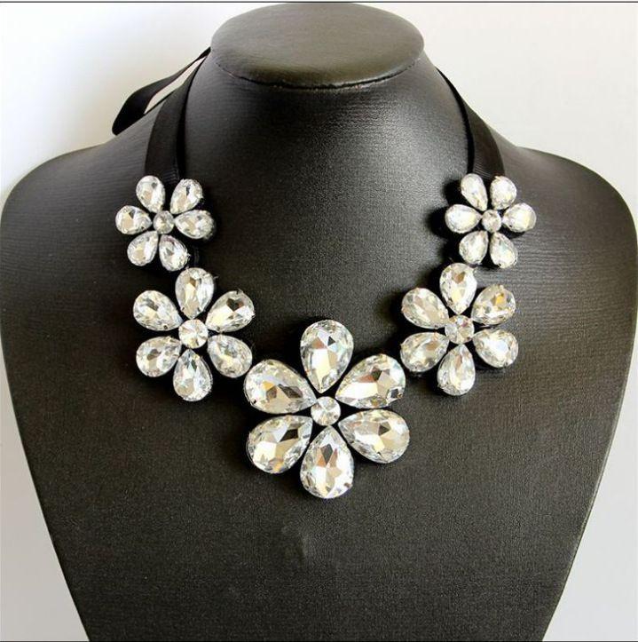 2020 White Clear Crystal False Collar Chokers Necklace Back Rhinestone Choker Necklace Short Collar Chiffon Chain