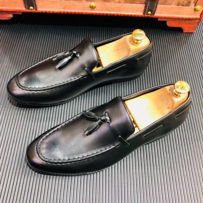 La mejor calidad de cuero real de los hombres zapatos casuales brillante diseñador de lujo Oxford Mocassin Dress Shoes borla zapatos de boda 241