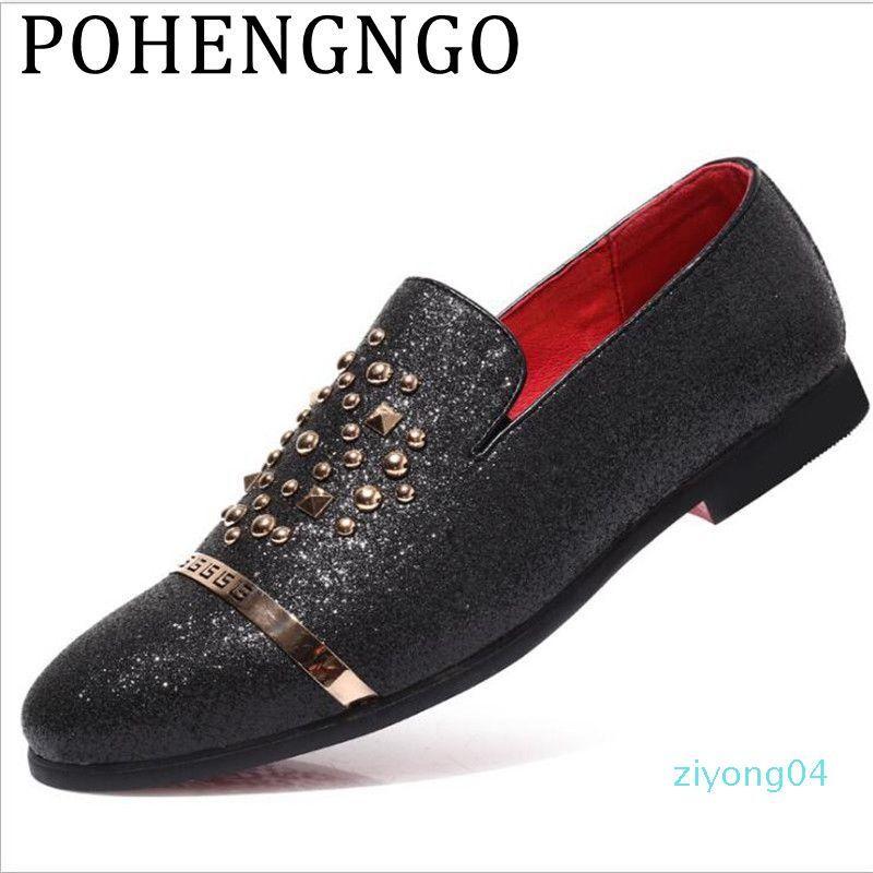 2020 Lüks Erkekler Gümüş Siyah Elmas Tırnaklı Loafers Perçinler Terlik Kırmızı Alt Düğün Ayakkabı Şık erkekler daireler Z04 sürüş