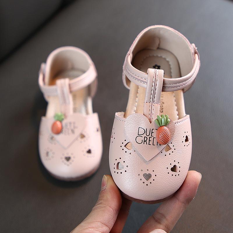 Für Kinder Kleinkind Baby Schuhe Sommer Kleine Mädchen hohle Prinzessin Covered Zehen Halb Sandalen Casual Leder-Ebene die Herzen der Kinder
