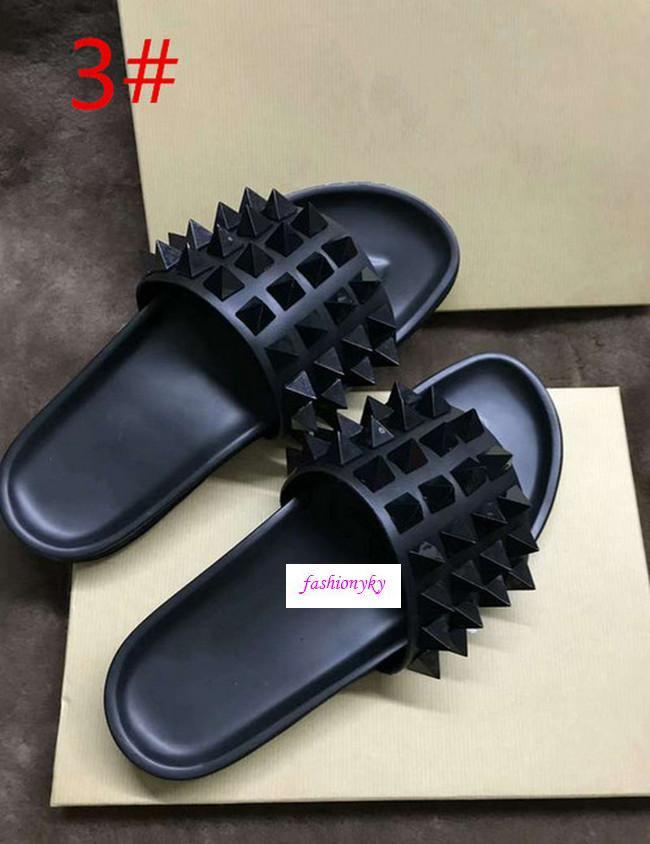 Top Donna borchie piatte pantofole unghie salice Designer fondo morbido ciabatte di gomma degli uomini del ribattino dei punti piatto slippersOriginal box