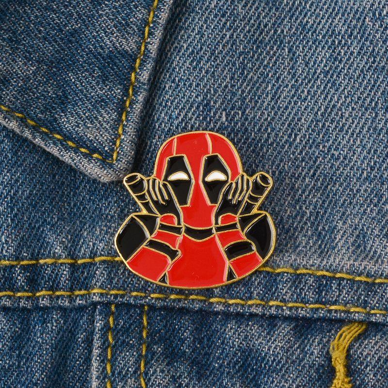Broche émaillée Deadpool Badge super-héros rouge et noir méchant broche bijoux Justice et revers maléfiques Un des personnages préférés