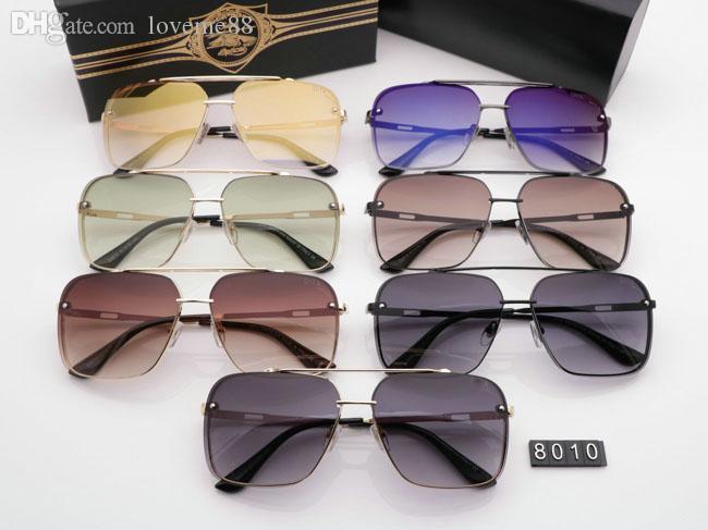 Nuovi occhiali da sole popolari di lusso del progettista delle donne di marca Stile Quadrato estate Full frame superiore Protezione UV di qualità colore misto viene con la scatola 8010