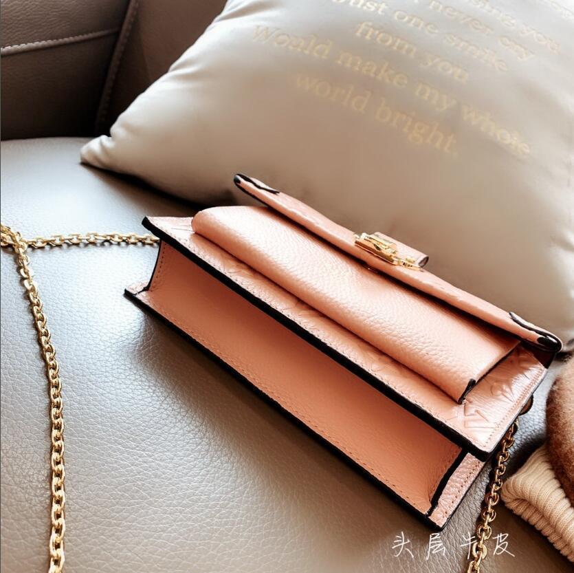 2020 Designer femme cuir femme sac à bandoulière sac enveloppe enjambeur petit délicat sac de messager de la mode