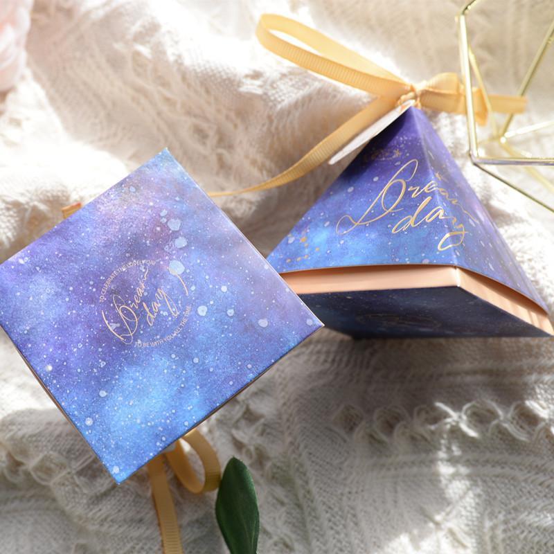 Verheiratet Hochzeit Supplies Double-Layer Triangular-Süßigkeit-Kasten Rosa High-End-Süßigkeit Carton