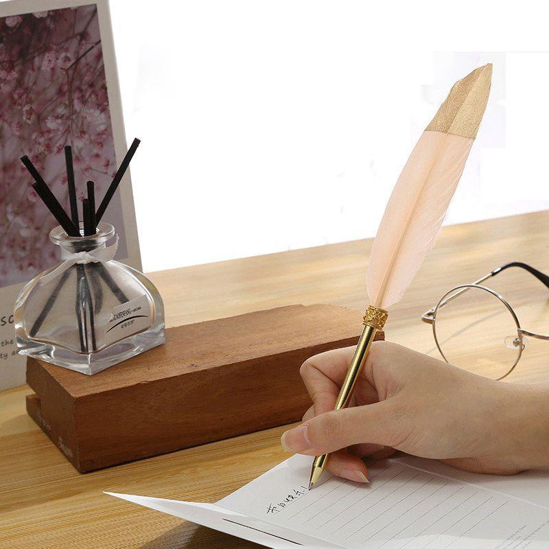 أقلام حبر الريشة الذهبية اللطيفة كواي بلوش Ballens لكتابة لوازم المكاتب المدرسية صندوق هدايا القرطاسية