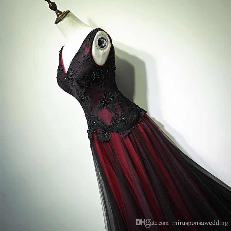 Charming V-Neck-A-Line Black and Red Wedding Dresses Lace apliques de pérolas Beading Wedding Ensaio do vestido Lace Up Voltar vestidos de noite