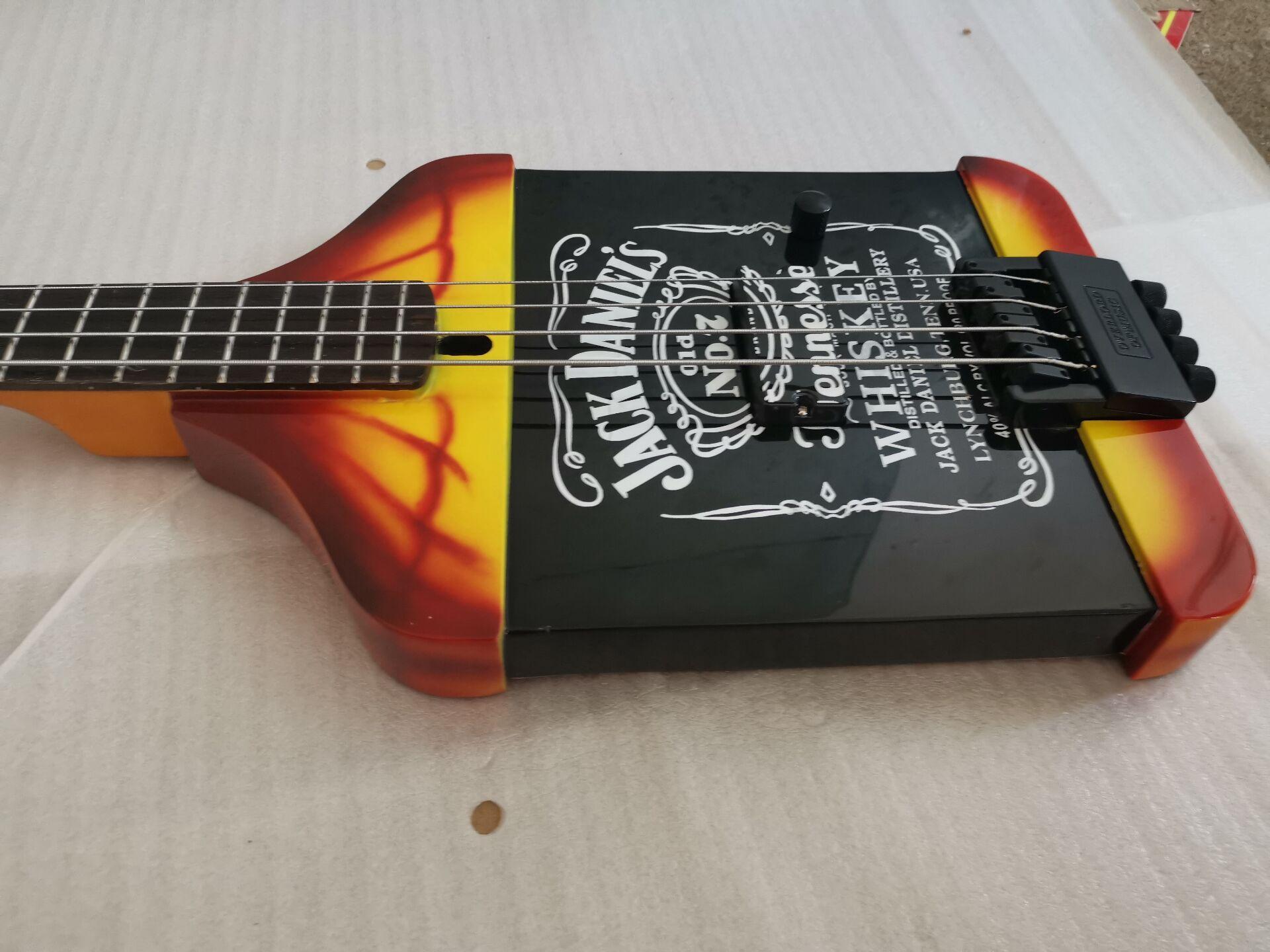 Super Rare 4 cordes Michael Anthony Van Helen Chickenfoot jackdaniels Whiskey Noir Guitare basse électrique Matériel noir, Tremolo cordier
