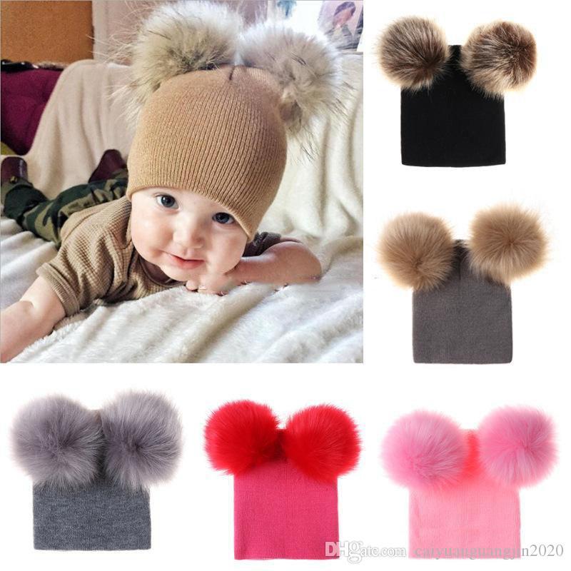 İki Kürk Pompoms Boy Kız Kürk Topu Beanie Kids ile Sıcak Kış Bebek Örgü Şapka Çocuklar için Çift Pom Hat Caps