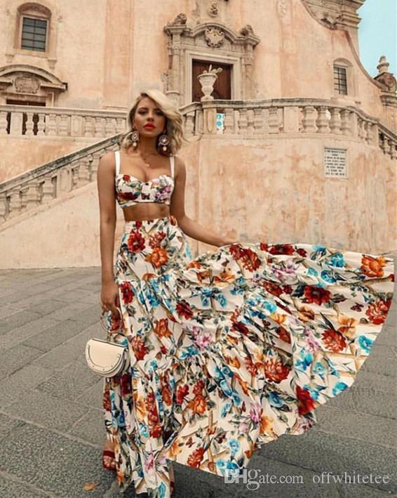Yaz Bayan Elbiseler Kolsuz 2 Adet Setleri Ruffled Batı Tarzı Seksi Eğlence Plaj Etek Flora Baskılı Elbiseler Çoklu Seçmeli Elbise