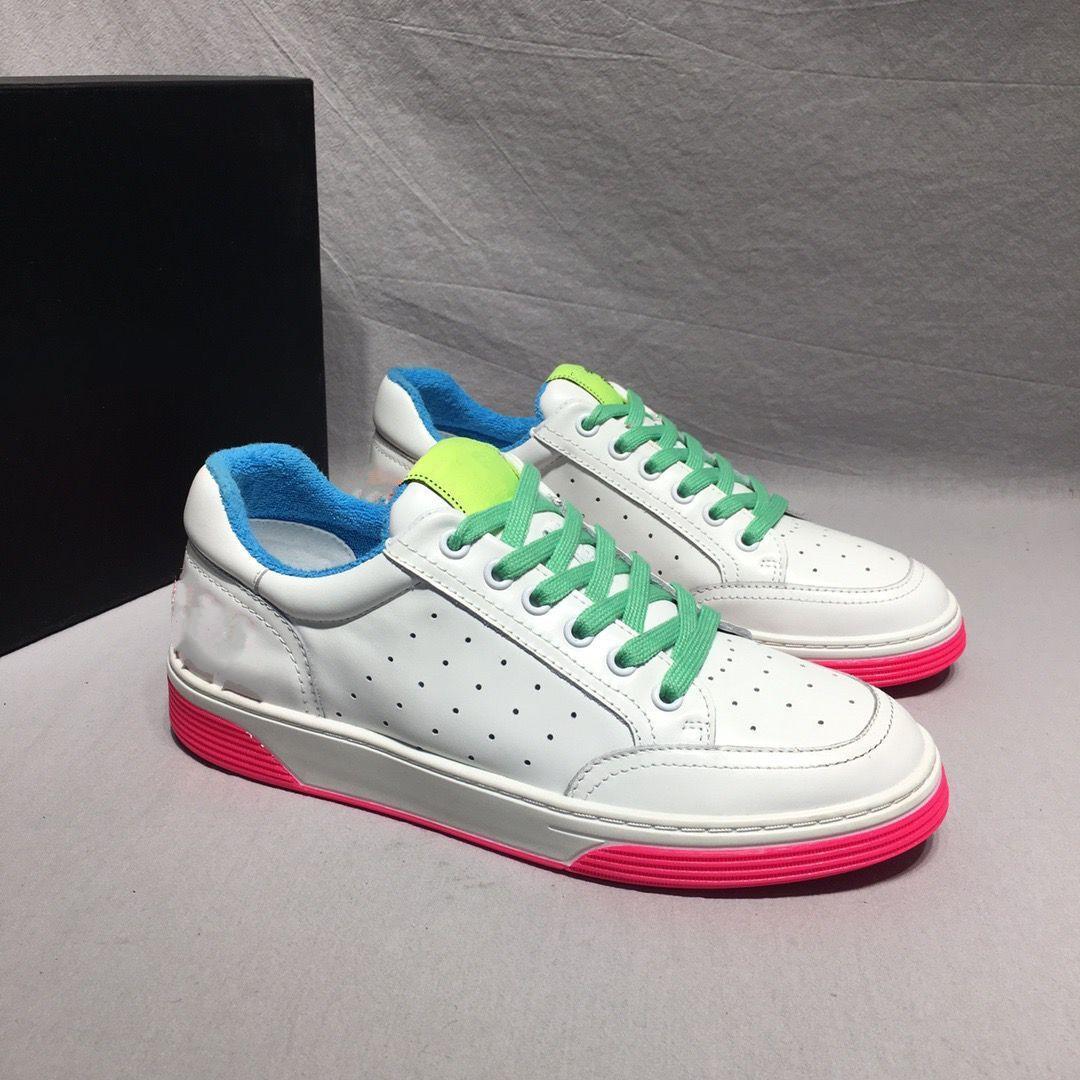 cuero real 2020o Pisos zapatillas de deporte de la marca mujeres de los hombres clásicos de los zapatos ocasionales pitón tigre abeja flor bordada con hxv01 gallo amor zapatillas de deporte