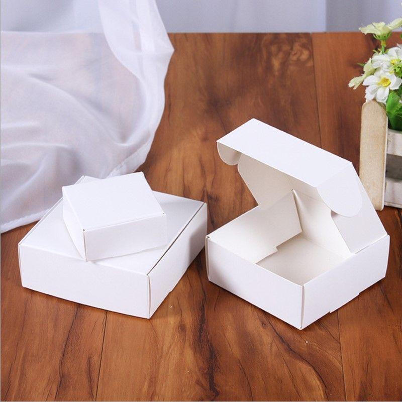 50PCS / lot الأبيض البسيطة صندوق من الورق المقوى SIZE 32x32x22mm مجوهرات DIY كرافت ورقة مربع أبيض المصنوعة يدويا الصابون الصغيرة تغليف الهدايا