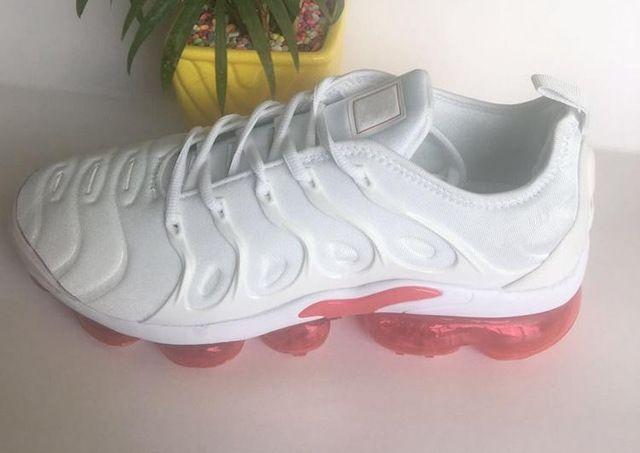 2020 nova chegada barato venda quente de alta qualidade brancos transparentes únicos malhas macias vermelhas das mulheres calçam homens tamanho 36-46