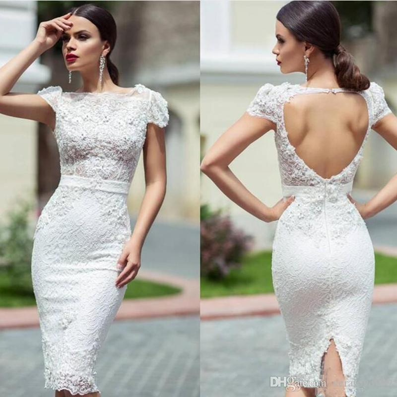Vestidos de recepción de boda de encaje únicos y modestos con rodilla hasta la rodilla Gorro Mangas Hollow Back Short Garden Vestidos de novia Vestidos de novia
