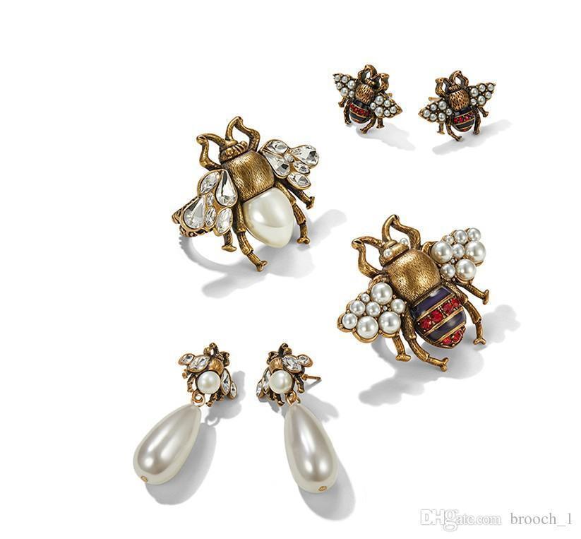 Orecchini della vite prigioniera all'ingrosso per le donne d'avanguardia 2 Stili perla dell'annata di Cute Bee Dangel lungo orecchino di stile monili di regali per la ragazza delle donne