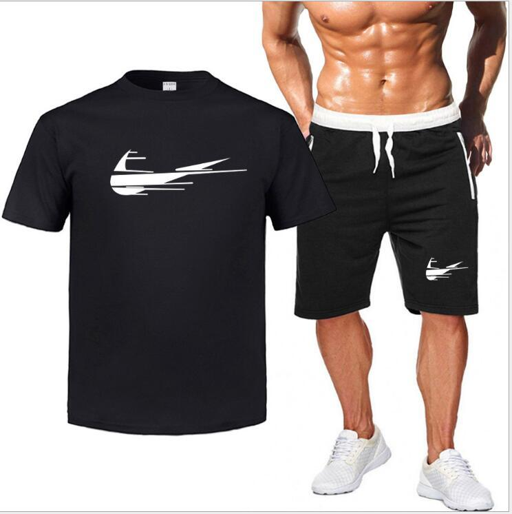vestuário Two Piece homens Set Homens camiseta manga curta de Verão Men Top + Shorts Fatos agradável Tide Sportswear Casual Tops curtas Calças