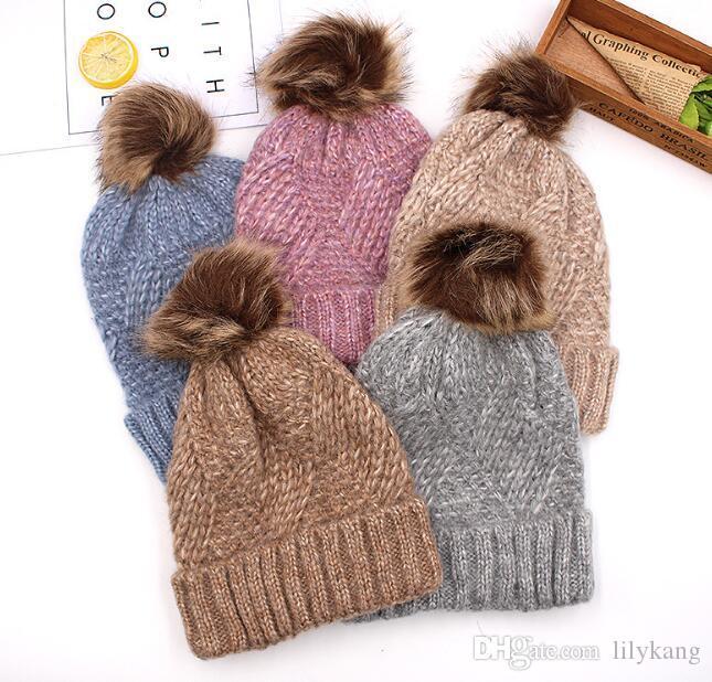 أزياء المرأة الجديدة الصوف قبعة دافئة مصمم العلامة التجارية سميكة الفراء في فصل الشتاء الكرة قبعة الفتيات الملونة طبقة مزدوجة بينيس الجمجمة القبعات