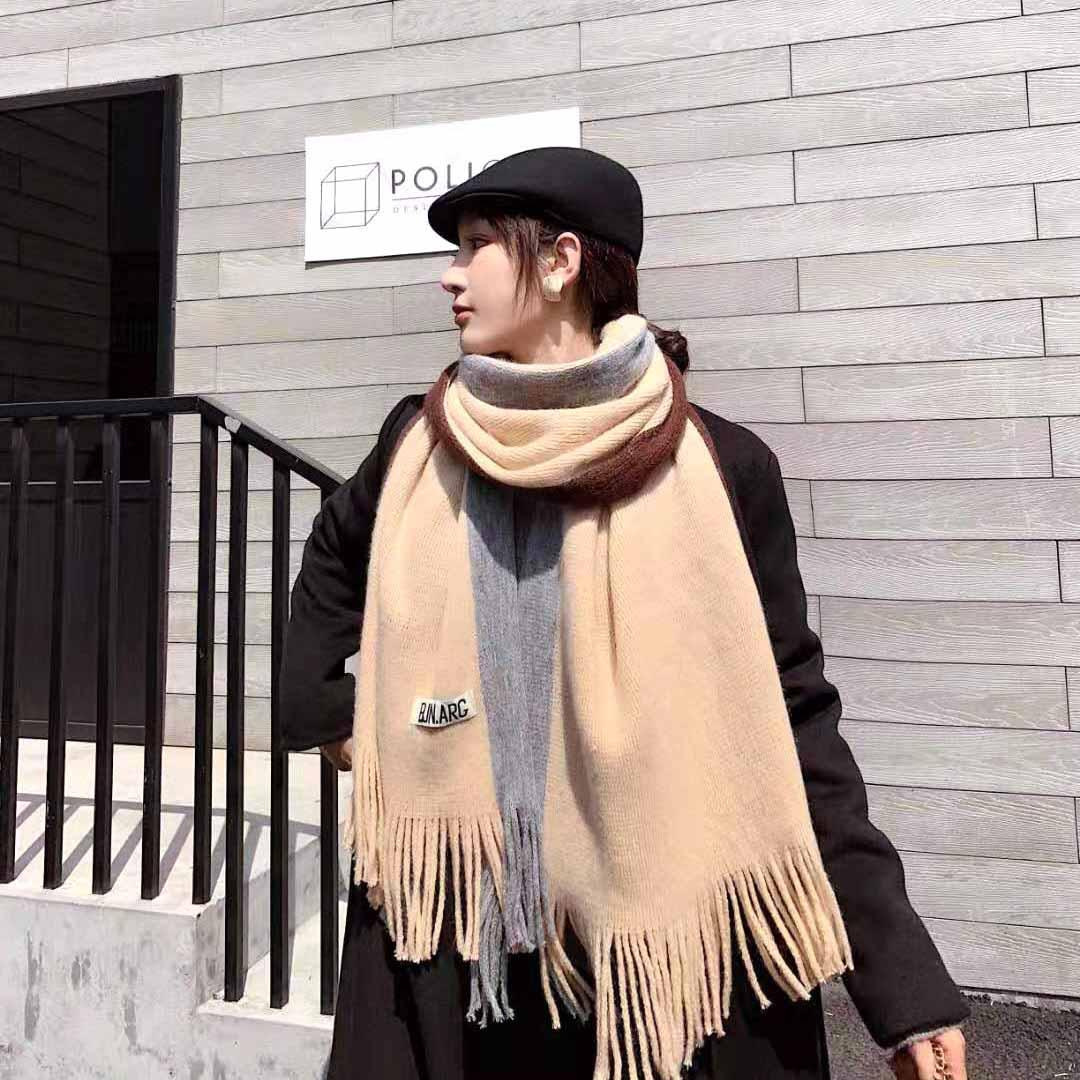 otoño e invierno espesantes estudiantes femeninas comodín larga de abrigo de invierno las niñas nuevo cuello de lana de cuello hermana suave