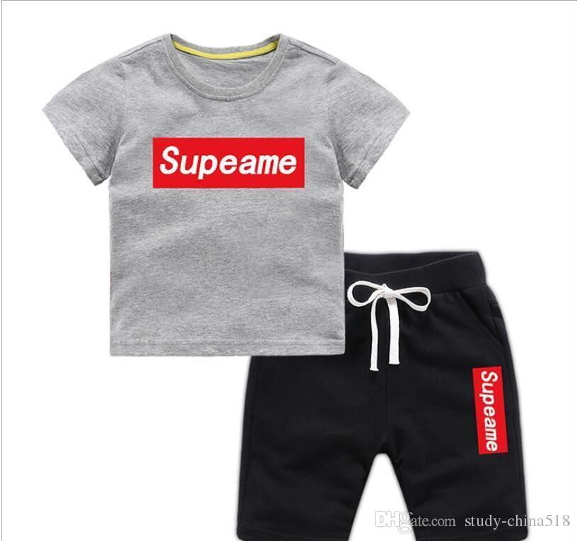 Chicos y chicas camisetas y pantalones cortos de diseñador Trajes Marcas Ropa deportiva Conjuntos de ropa para niños Venta caliente