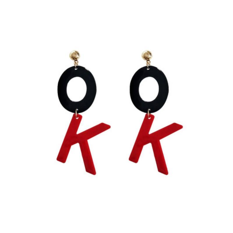 2020 New coreano Moda Big Ok Carta Brinco Punk simples personalizado Acrílico Pingente Brincos longos por Mulheres Escritório Mujer