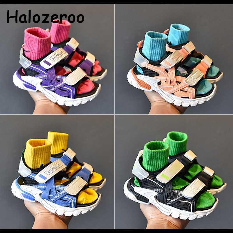 2020 sandalias de playa del verano de los niños de los bebés de la marca Negro Zapatos Niños sandalias de los zapatos del deporte del acoplamiento niños ocasionales de la manera Nuevos