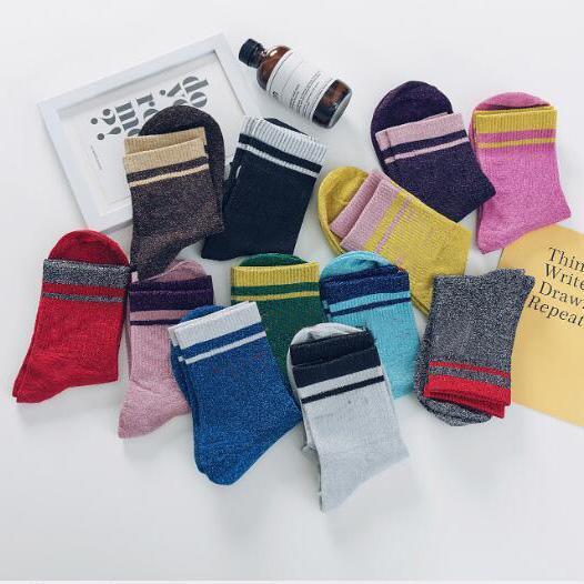 Cnady Renk Kadın Çorap Moda Şeker Renk Kadın Uzun Spor Çorap Casual Spor Nefes Ter Sıcak Mektup Sokak Çorap