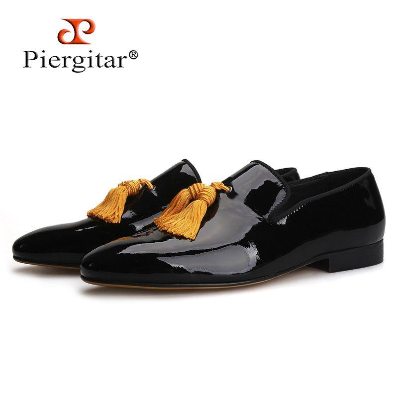 Piergitar 2019 Black Colors Patent Leather Men Tassel Sapatos Mocassins Masculinos e Homens de Casamento Vestido Sapatos Fumar Chinelos
