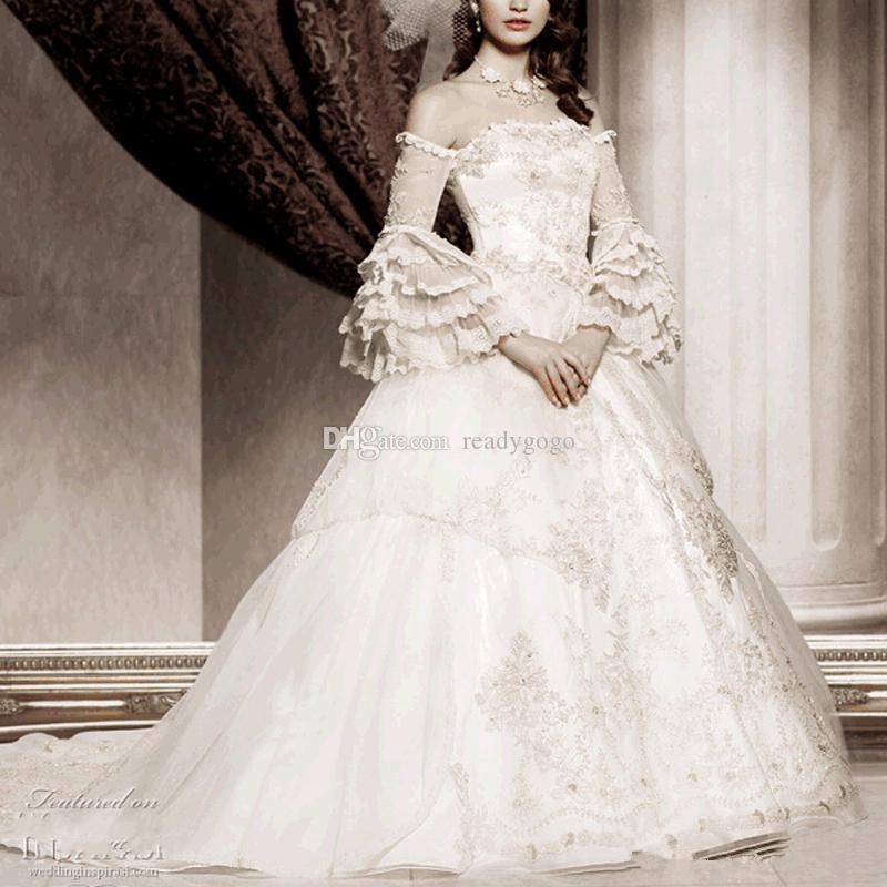 Vintage White Long Sleeve 2019 Viktorianische Brautkleider Spitze Appliques aus der Schulter Gothic Ballkleid Brautkleid Plus Size