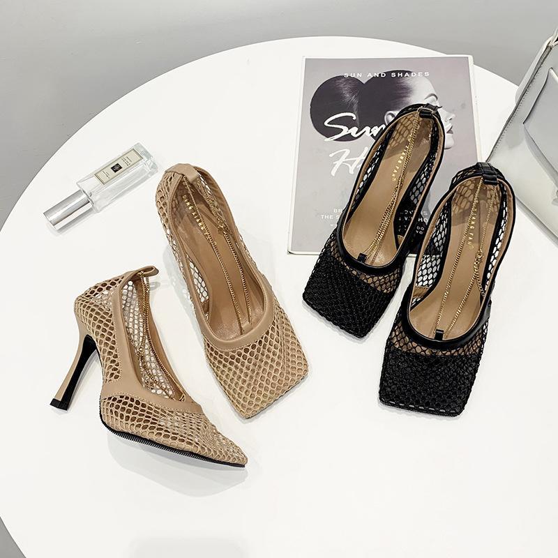 Новый год сбора винограда площади Toe Stretch Насосы Женщины Золотая цепочка высоких каблуках обувь Женщины Air Mesh Дизайнер Женская обувь Бесплатная доставка