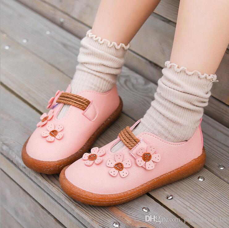 Calzado niños de primavera 2020 nuevo diseño zapatos de bebé niña salvaje flores de moda pequeños solos zapatos de princesa