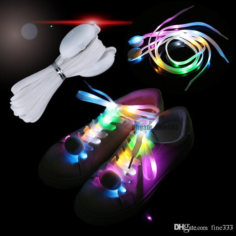 LED فلاش LED 7COLORS ضوء رباط الحذاء فلاش تضيء حزب الوهج التزلج ساحرة الأربطة الأحذية تشغيل ألعاب