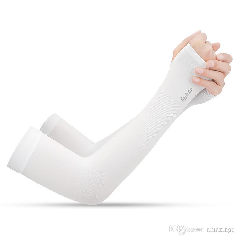 1 paio Estate Pure Color in bicicletta manicotti del braccio di aumento della temperatura unisex UV Protection fresca esterna del ghiaccio del braccio dello scaldino del manicotto polsino manica