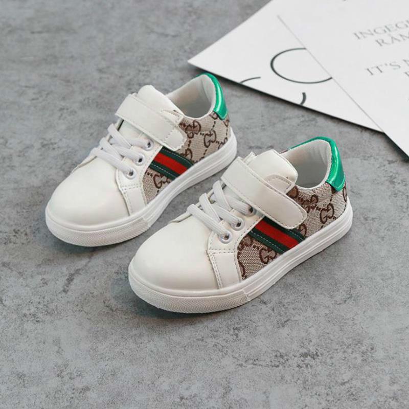 Los niños de primavera y verano tendencia de moda casual S zapatos de estilo zapatos de los niños de Corea del calzado modelo de costura para los bebés