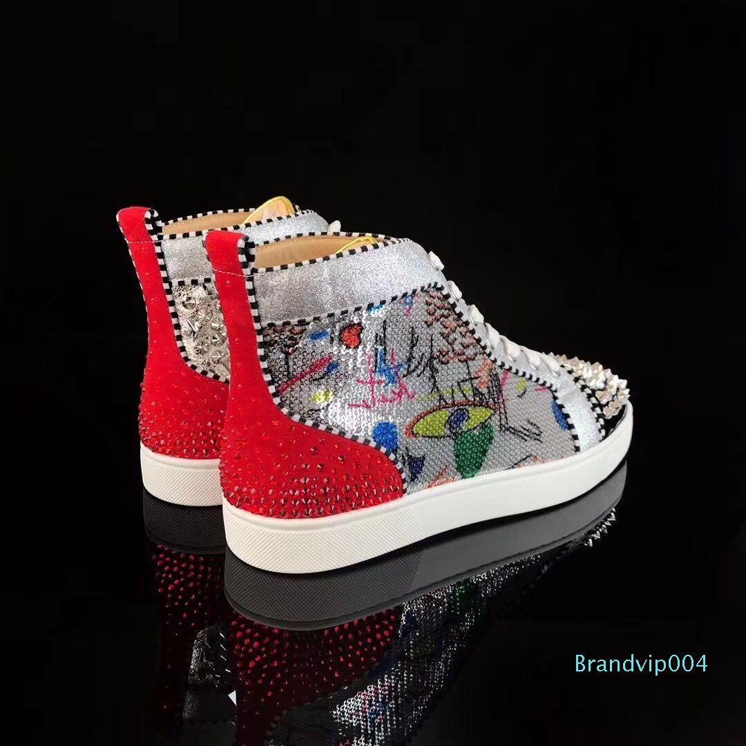 [Orijinal Kutusu] Studs Spor Ayakkabılar ile Nefis Kırmızı Alt Graffiti Boncuk Deri Yeni Marka Erkekler Kadınlar Yüksek Üst Yürüyüş Boyutu 35-46 Ayakkabılar
