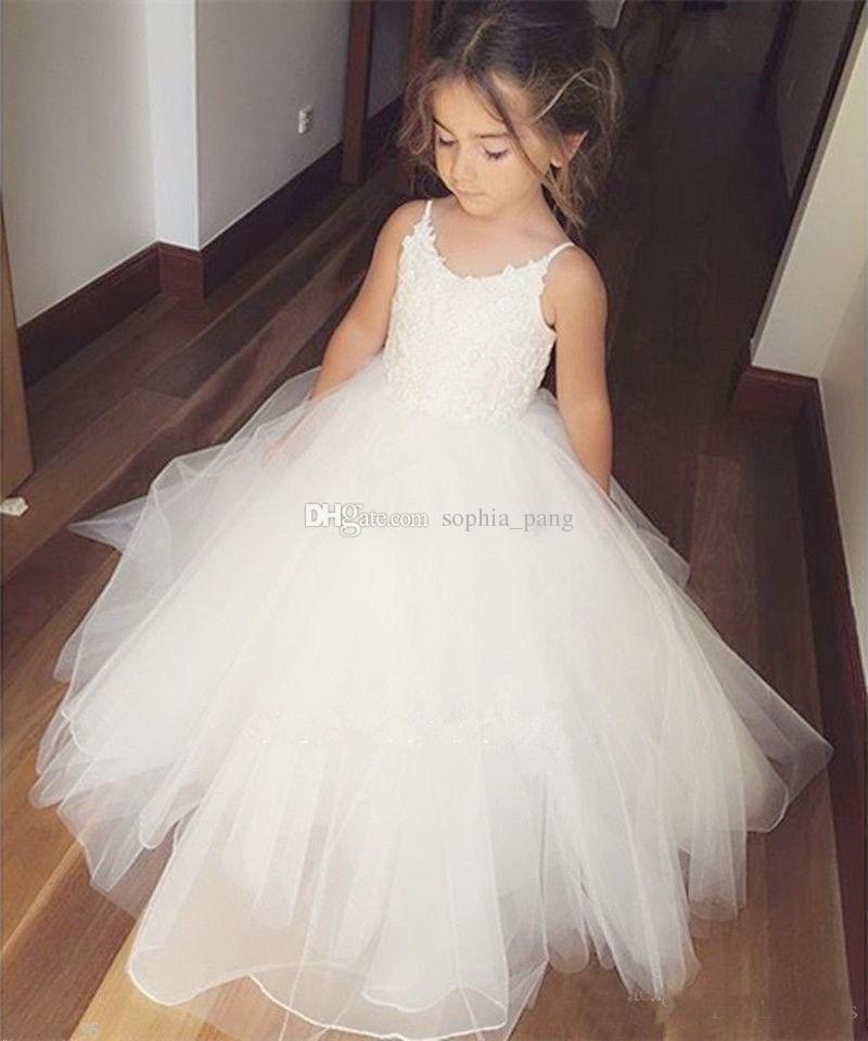 2019 vestidos el día de la venta de flores blancas con encanto vestidos de las muchachas de la blusa de correas espaguetis bola del partido de los niños del vestido de encaje