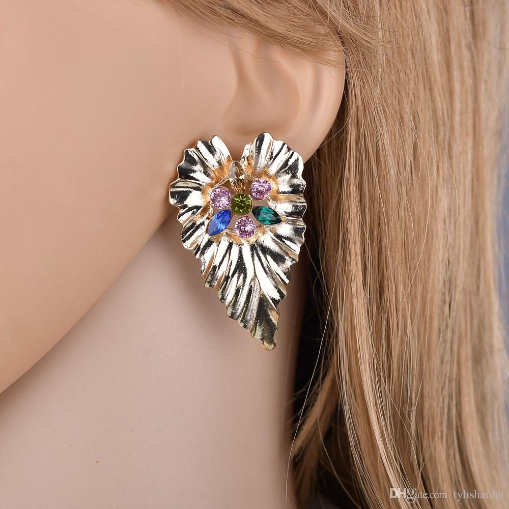 Hojas Declaración de oro caliente nuevo Boho con diamantes de imitación pendientes de gota Pendientes Mujer joyería largo cuelga el pendiente E2796