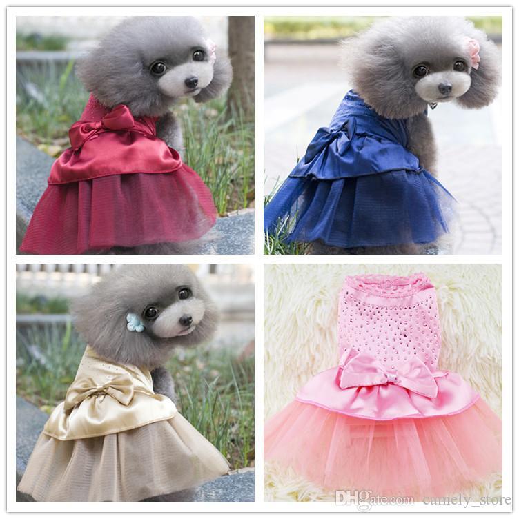 Primavera y verano nuevos ropa linda del perro falda de alimentos para mascotas vestido del amor del diamante caliente falda de ropa para mascotas