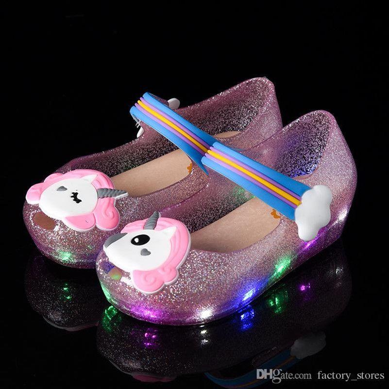 Kids Little Mary LED Light Unicorn Sandals Children Cute Cartoon Jelly Rainbow Shoes Girls Summer Pricess Dress Beach Cool Sandals A51303
