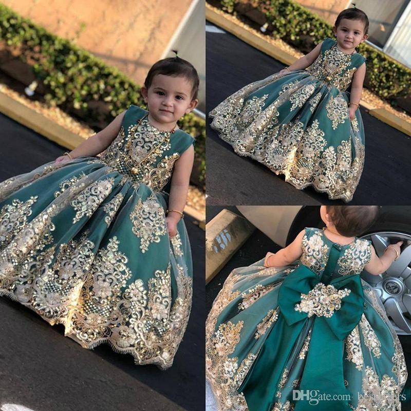 2019 Little Flower Girls Robes avec dentelle doré Applique Longue Pageant Robes Jade Bow Princess Robe