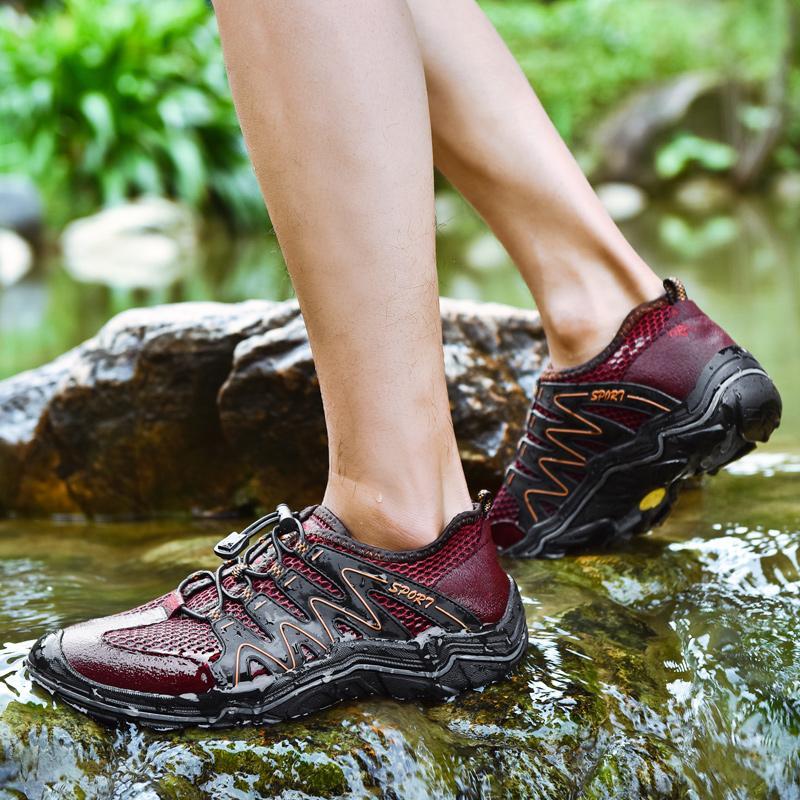 Erkekler Büyük Boyutu 38-45 Yeni Man Hızlı kuruyan Su Aqua Sneakers Hava Mesh Balıkçılık Yürüyüş Yürüyüş ayakkabı erkekler Masaj Açık Ayakkabı