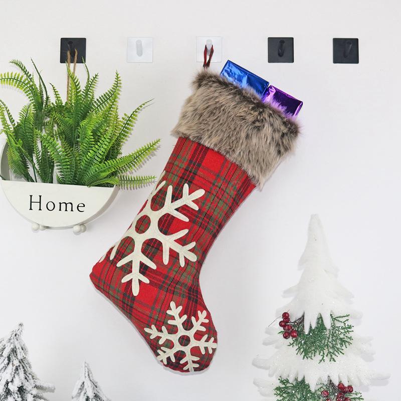 Festa de natal Meia Meias Penduradas Xadrez floco de neve Árvore Ornamento Decoração Meias Presente Saco de Doces Ano Novo Prop Meias de Natal LJJA3009