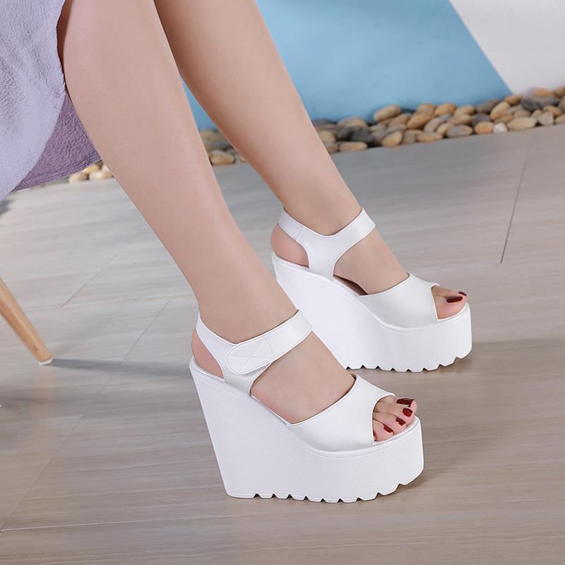 chaussure de grande taille Muffins Wedge Sandales plates Chaussures 2020 Été Tous-Match Femme Sandales Confort Chaussures Femmes Talons