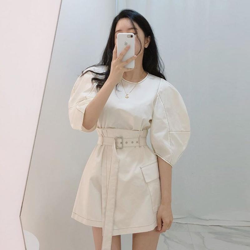 اثنين من قطعة اللباس النساء خمر مجموعة ملابس الكورية نمط قصيرة الأكمام س الرقبة البلوز السيدات قمم ومثير عالية الخصر مصغرة تنورة 2 الدعاوى